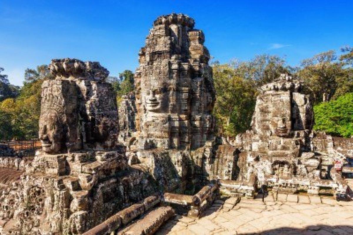 Angkor Wat , cel mai important centru religios.