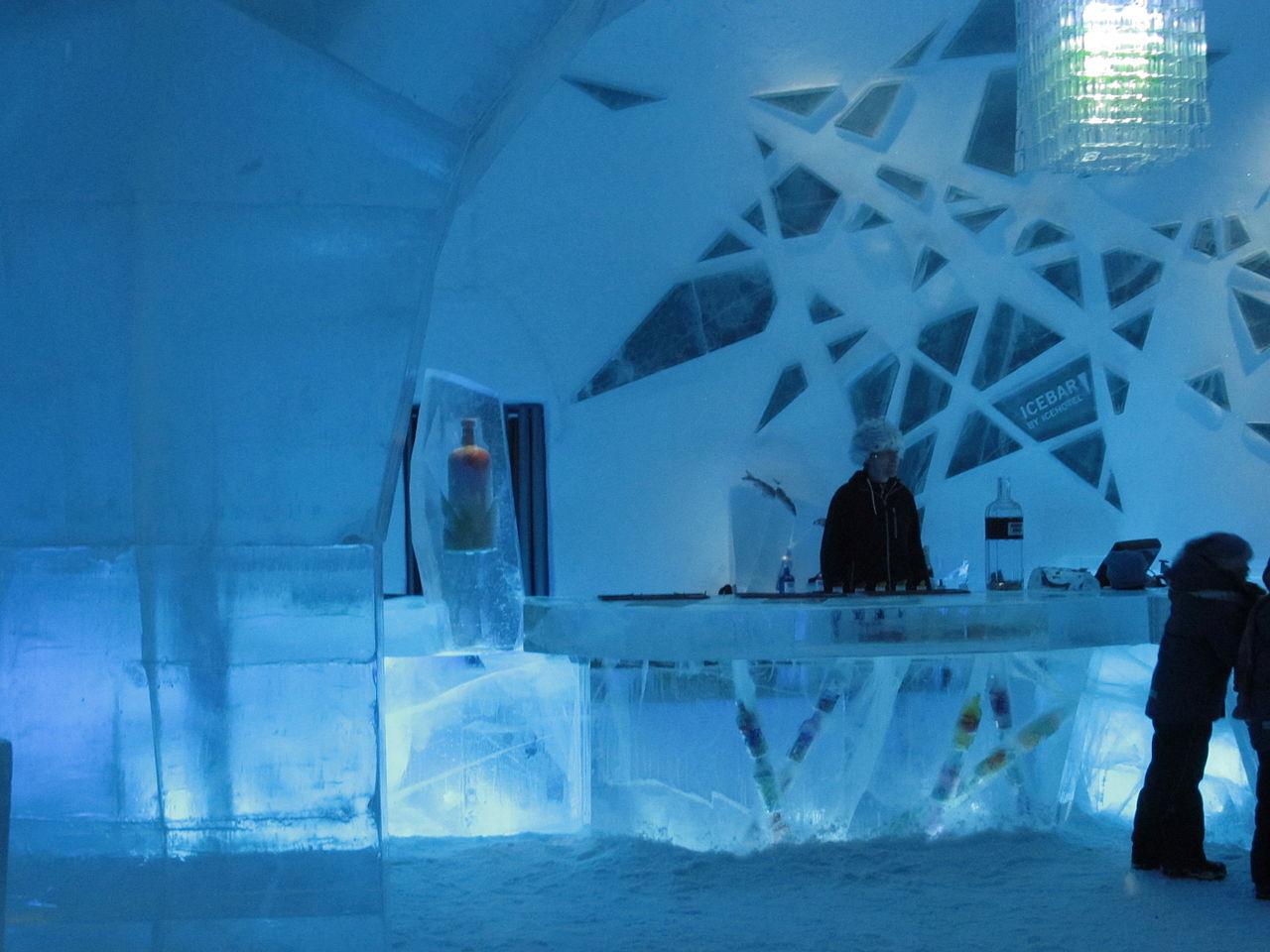 Barul de gheaţă din Jukkasjärvi, Suedia, decembrie 2012