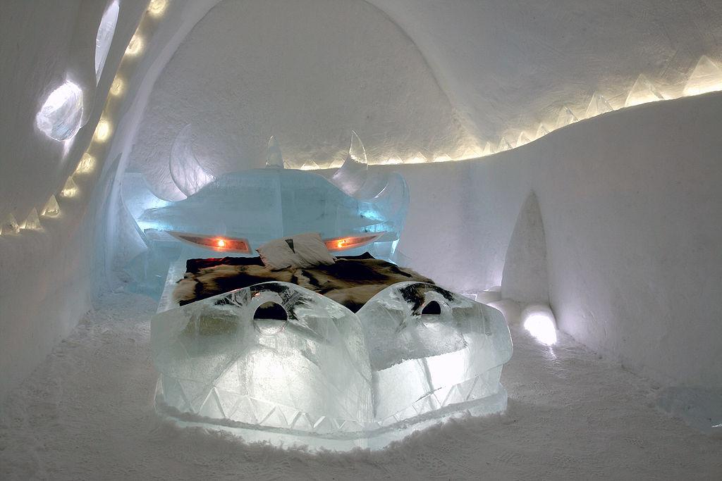Cameră din Hotelul de gheaţă Jukkasjärvi, Suedia, anul 2008