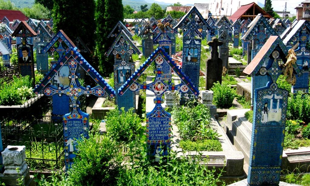 Cimitirul Vesel de la Săpânța, cruci vopsite în albastru de Săpânța
