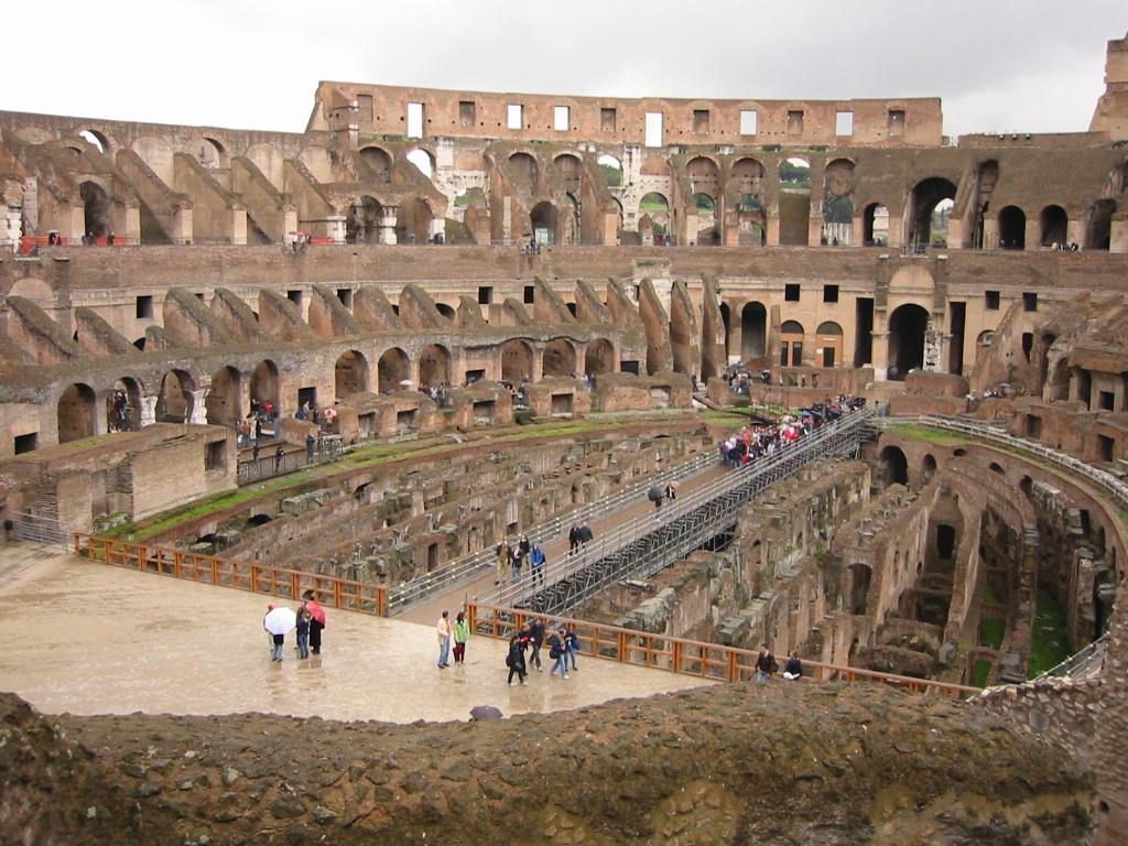 Colosseum vedere din interior