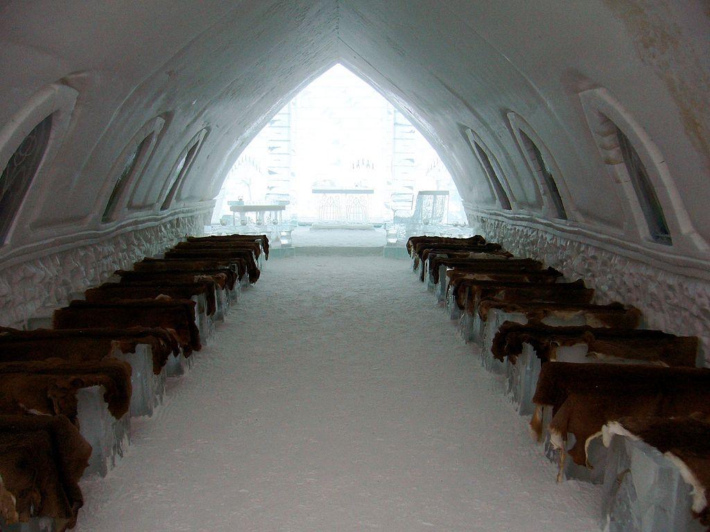 Interior din Biserica de Gheaţă, Quebec, Canada 2009