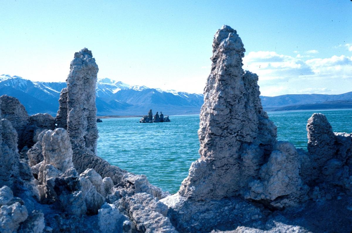 "Lacul Mono, California şi frumoasele ""turnuri"""