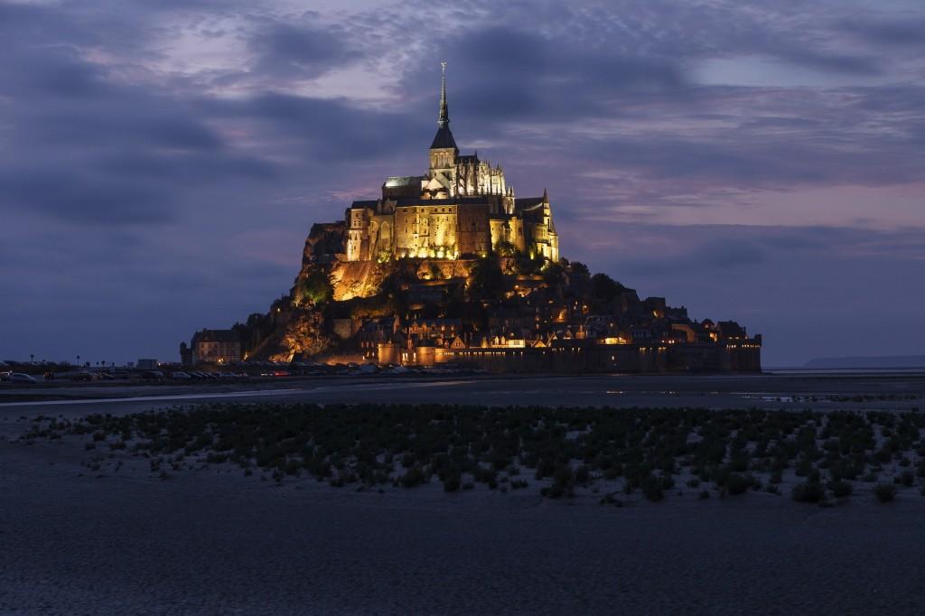 Muntele Saint Michel noaptea