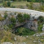 Podul lui Dumnezeu, cel mai mare pod natural asfaltat din lume