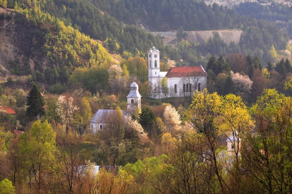 Roșia Montană biserică