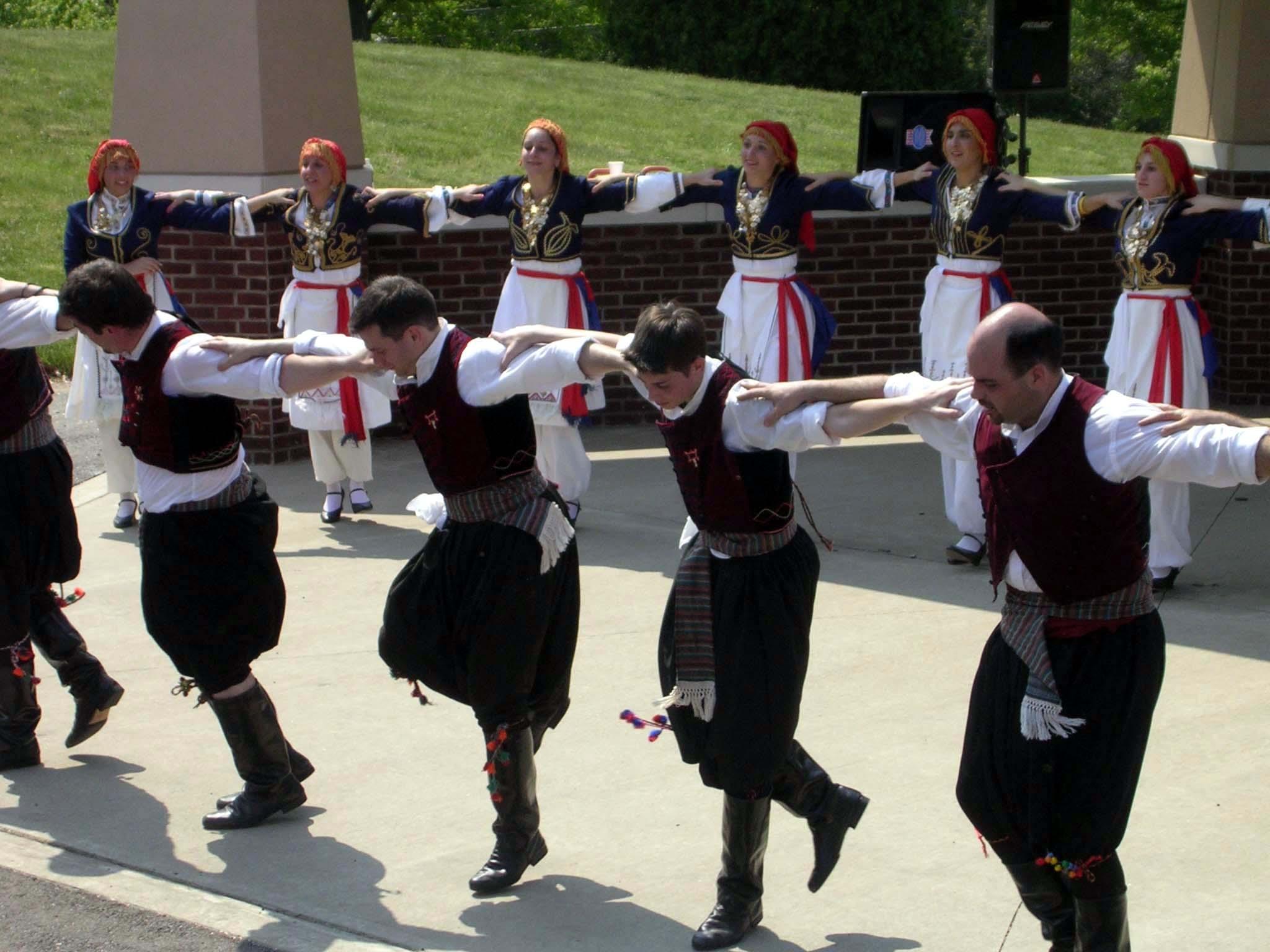 Dansuri greceşti