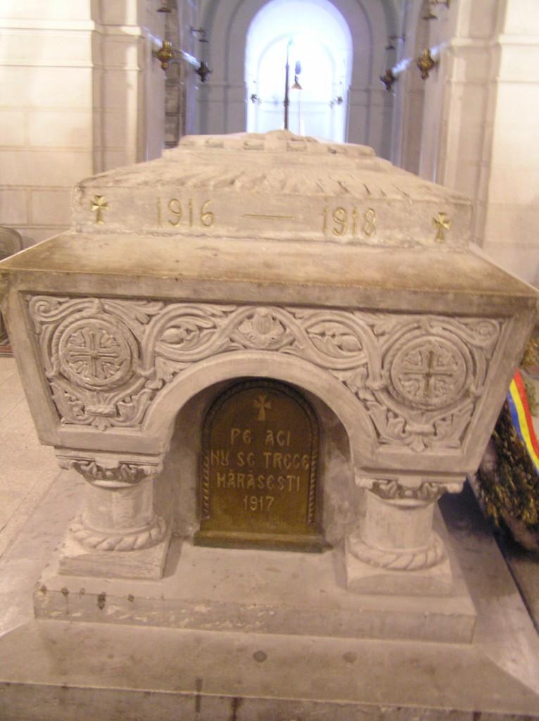 mausoleul-mărășești-mormântul-eroului-necunoscut