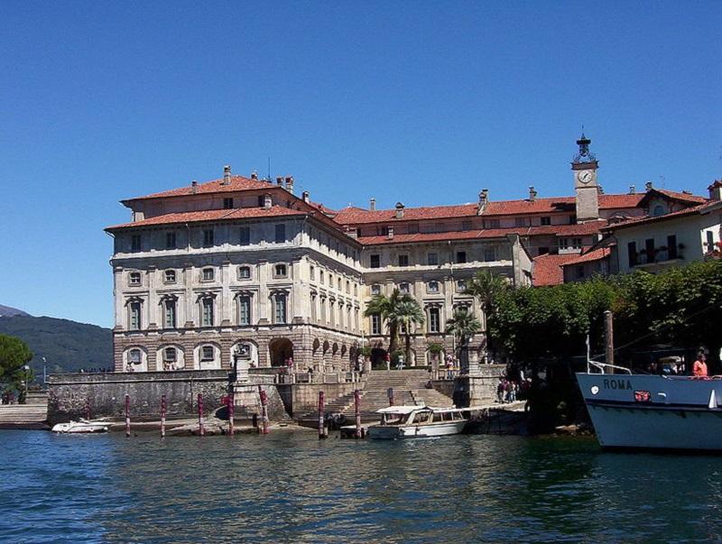Construcţia dedicată Isabellei din partea lui Carlo Borromeo