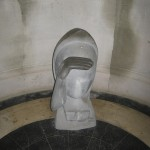 statuie dedicată fetiței erou