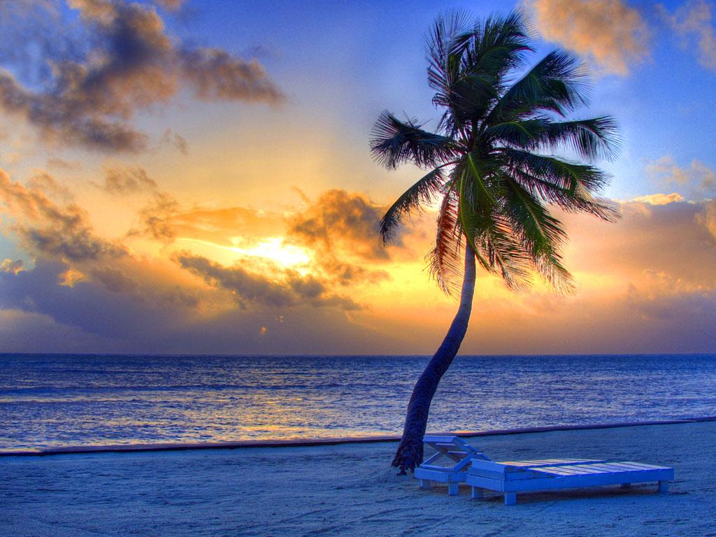 Apus de soare pe plajele din Belize