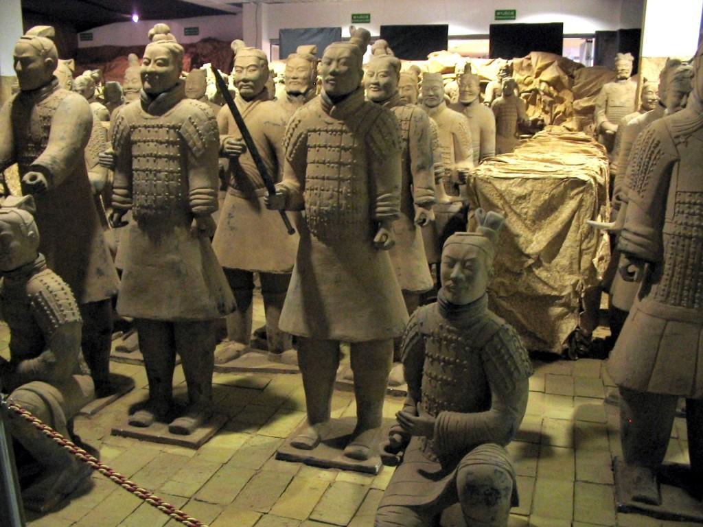 Armata de Teracotă, la început toți soldații erau înarmați