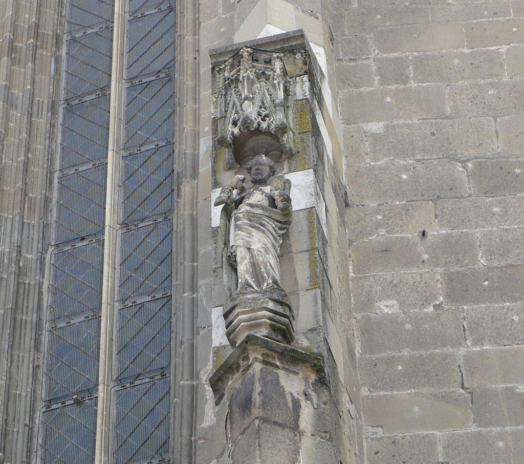 Biserica Neagră, detalii de pe peretele exterior