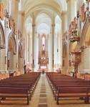 Biserica Neagră, luminoasă
