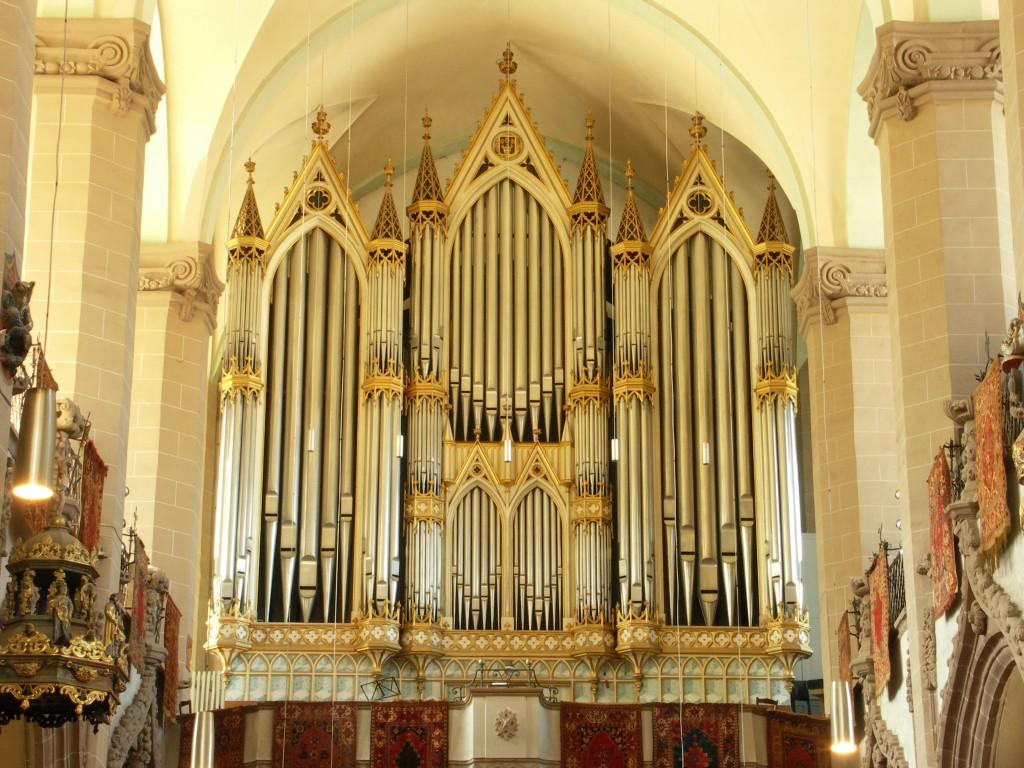 Biserica Neagră, orga