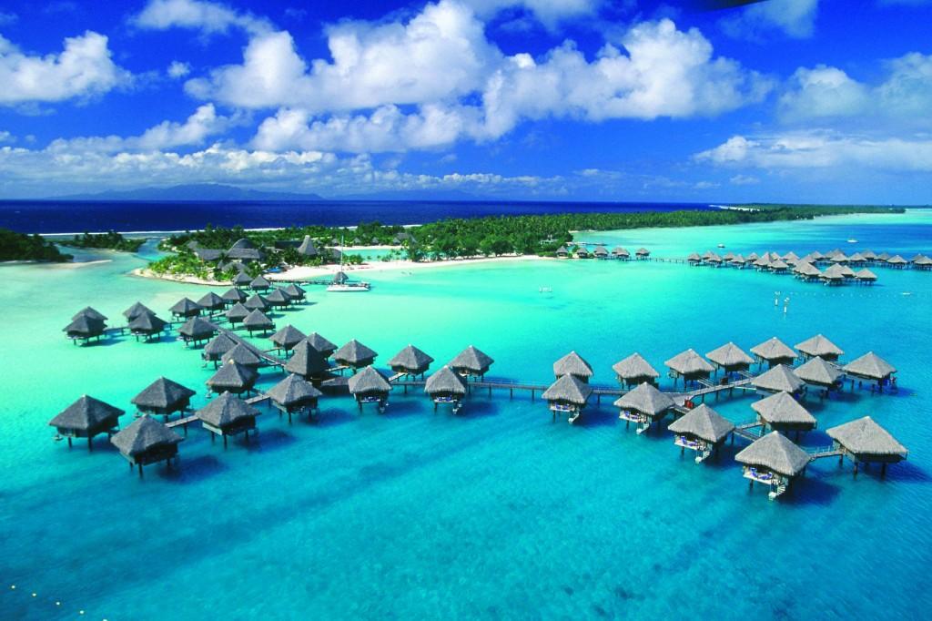 Bora Bora și bungalow-urile de pe apă