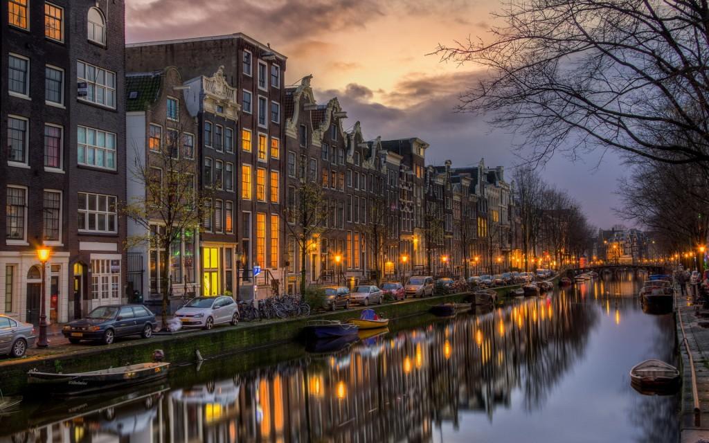 Capitala Olandei...cu multă apă
