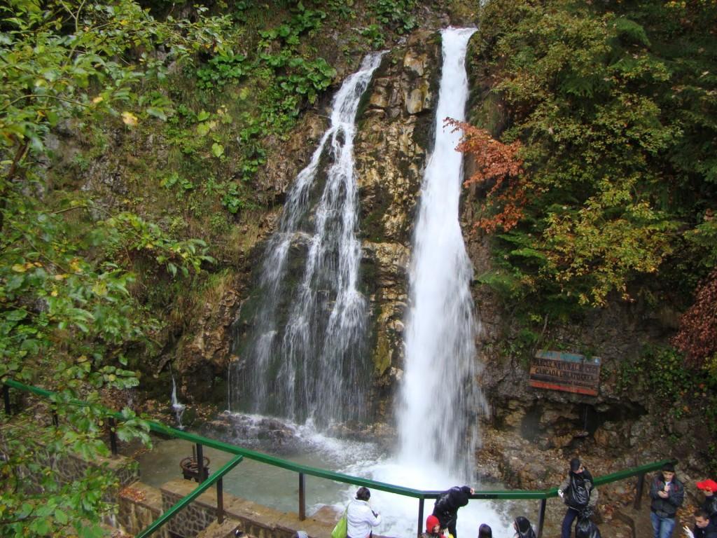 Cascada Urlătoarea, aproape de Bușteni