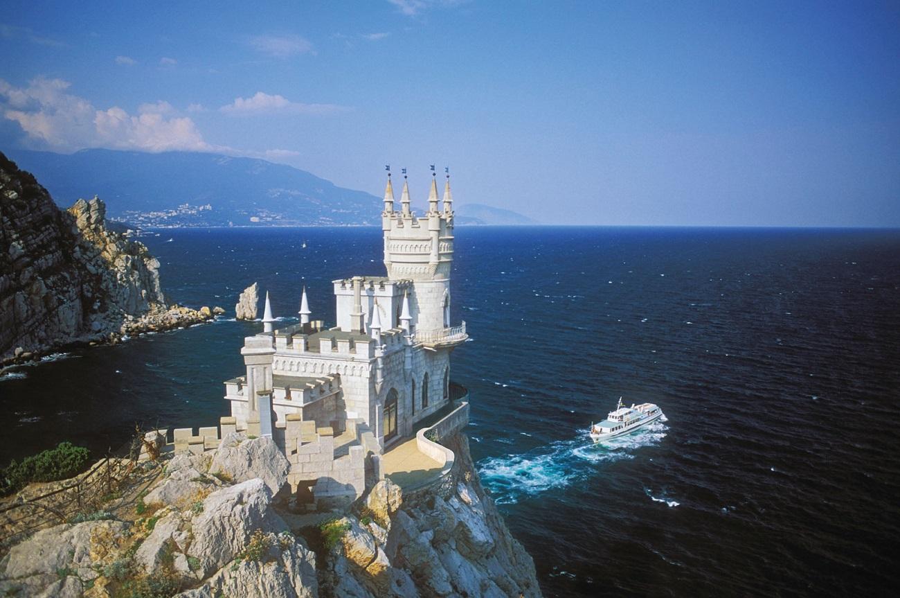 Castelul Cuibul Rândunicii, vedere din spate, Ucraina
