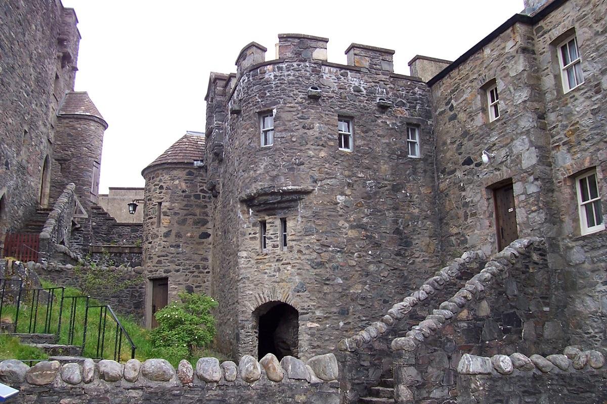 Castelul Eilean Donan, detaliu al frumoasei construcţii de piatră