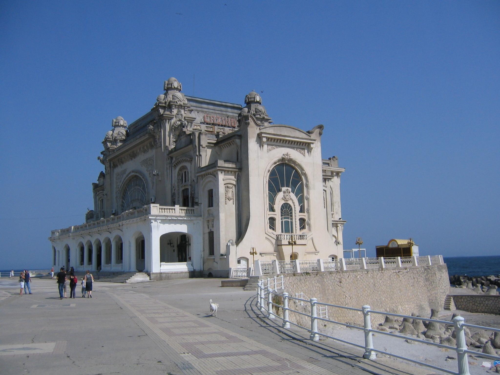 Cazinoul din Constanța și marea