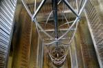 Ceasul Astronomic din Praga, liftul interior ce duce la ultimul nivel