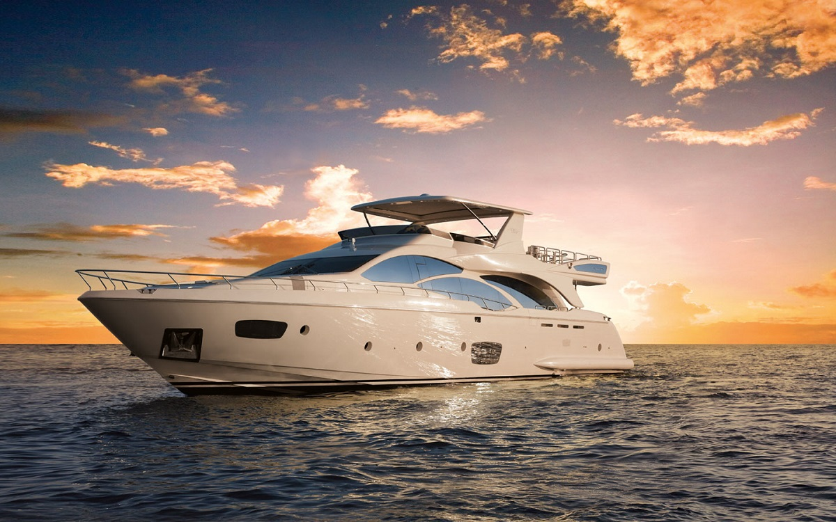 Cele mai luxoase ambarcaţiuni ale lumii plutesc pe apele Oceanului Atlantic, Miami
