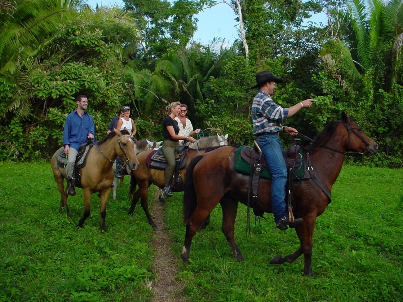 Echitaţie în junglele din Belize