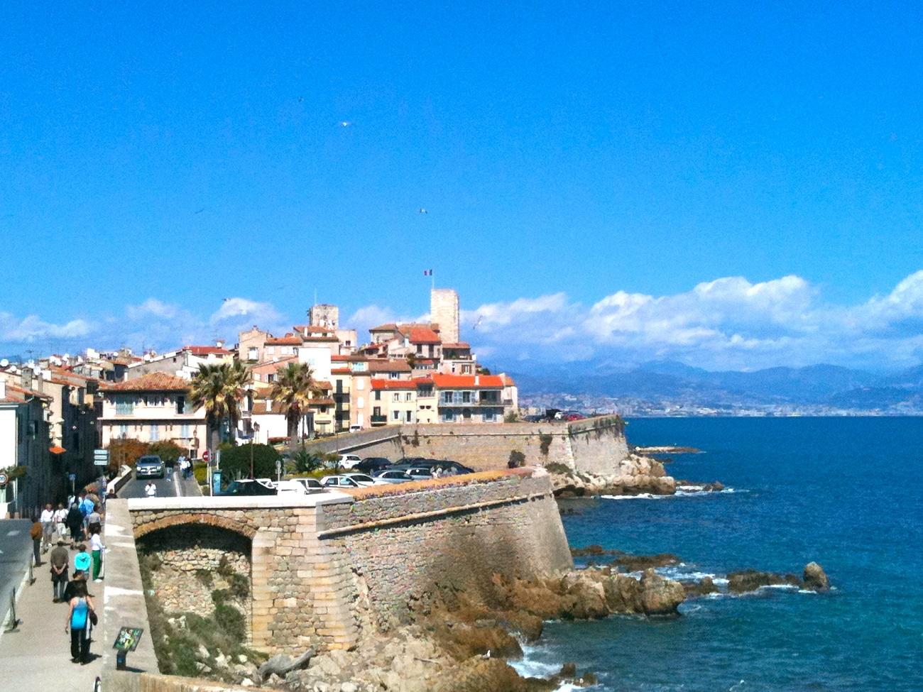 Insulele Lerin sunt o oază de linişte la Cannes