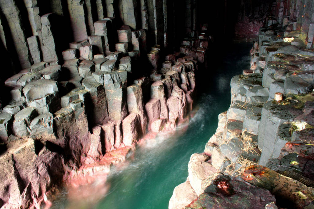 Interior din Peştera lui Fingal, Scoţia
