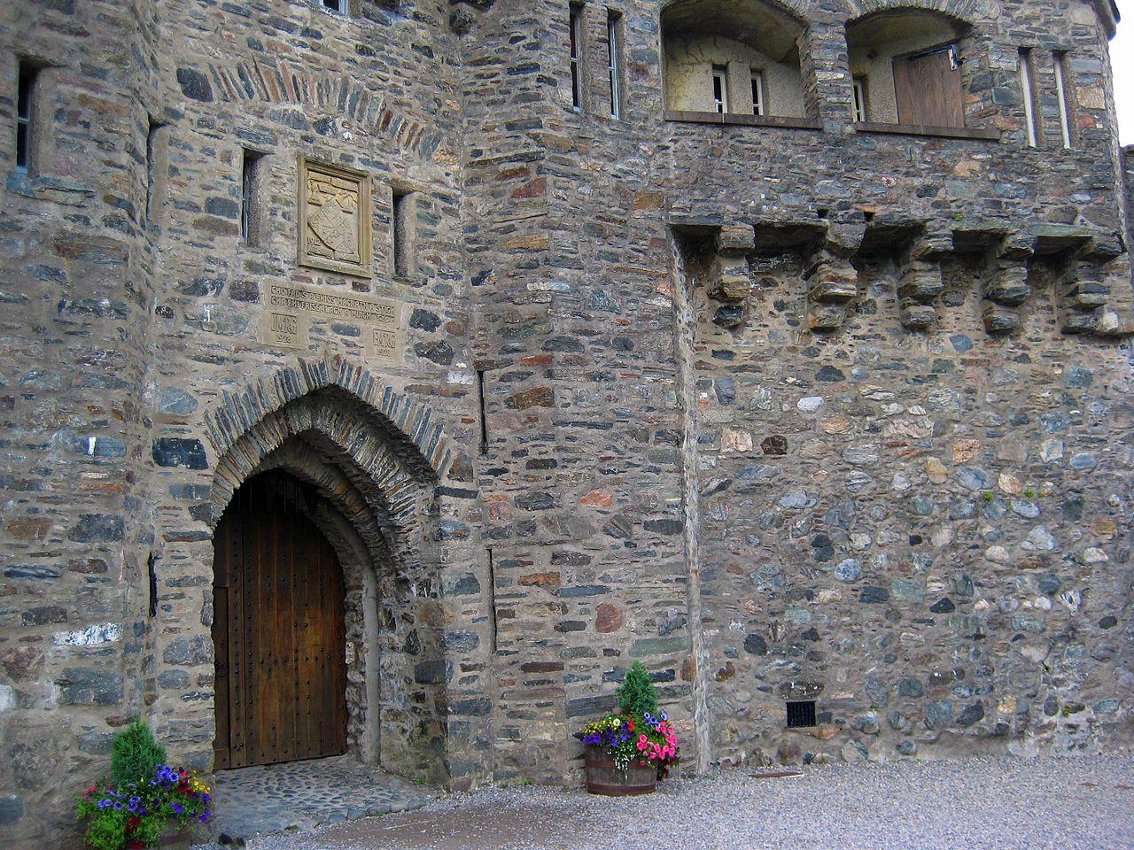 Intrarea în Castelul Eilean Donan, Scoţia