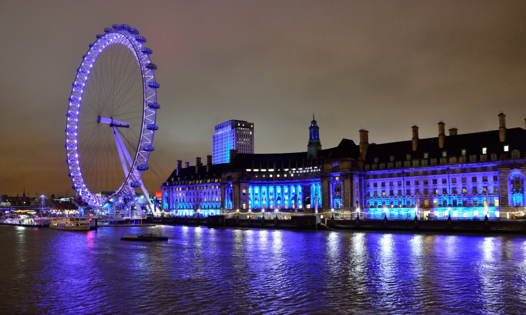 London Eye iluminat de aceasta data in violet
