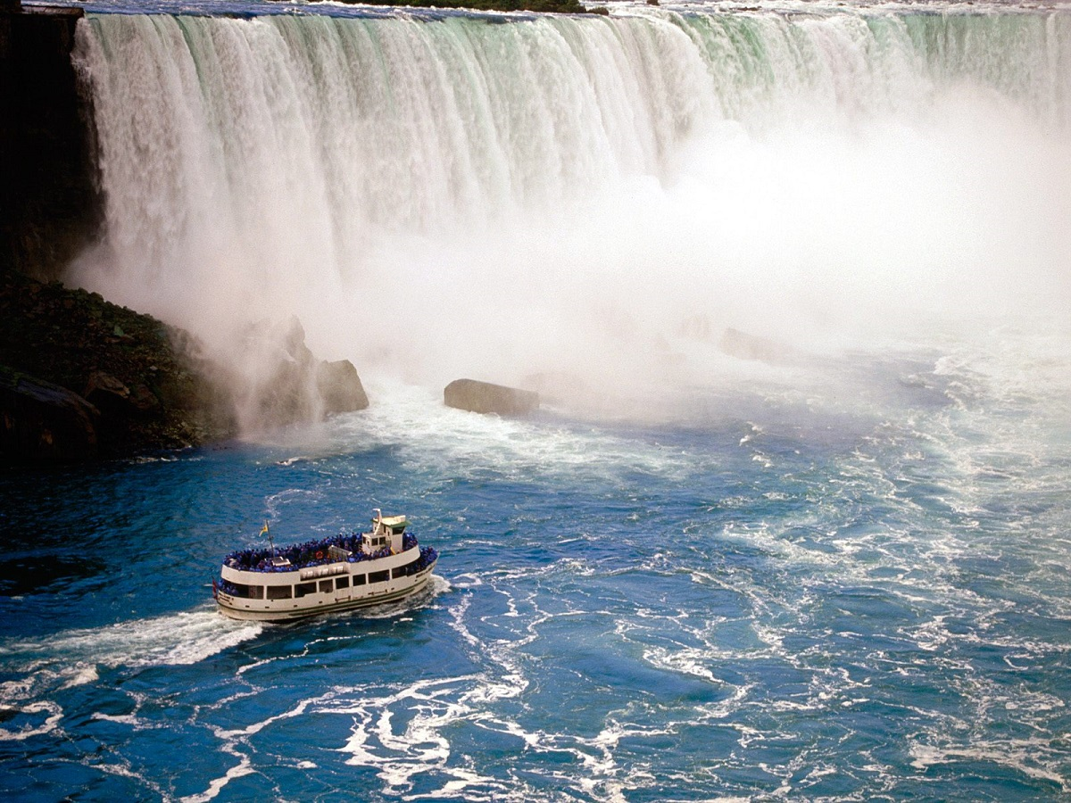 Maid of the Mist, Cascada Niagara