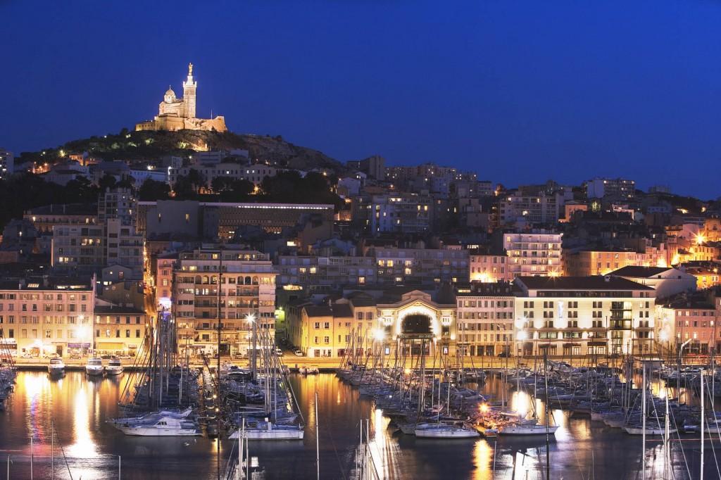 Marsilia pe timp de noapte