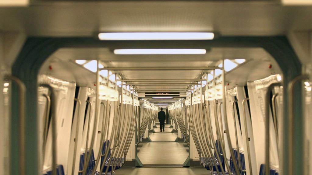 Metroul din Bucuresti, interiorul unei rame Bombardier