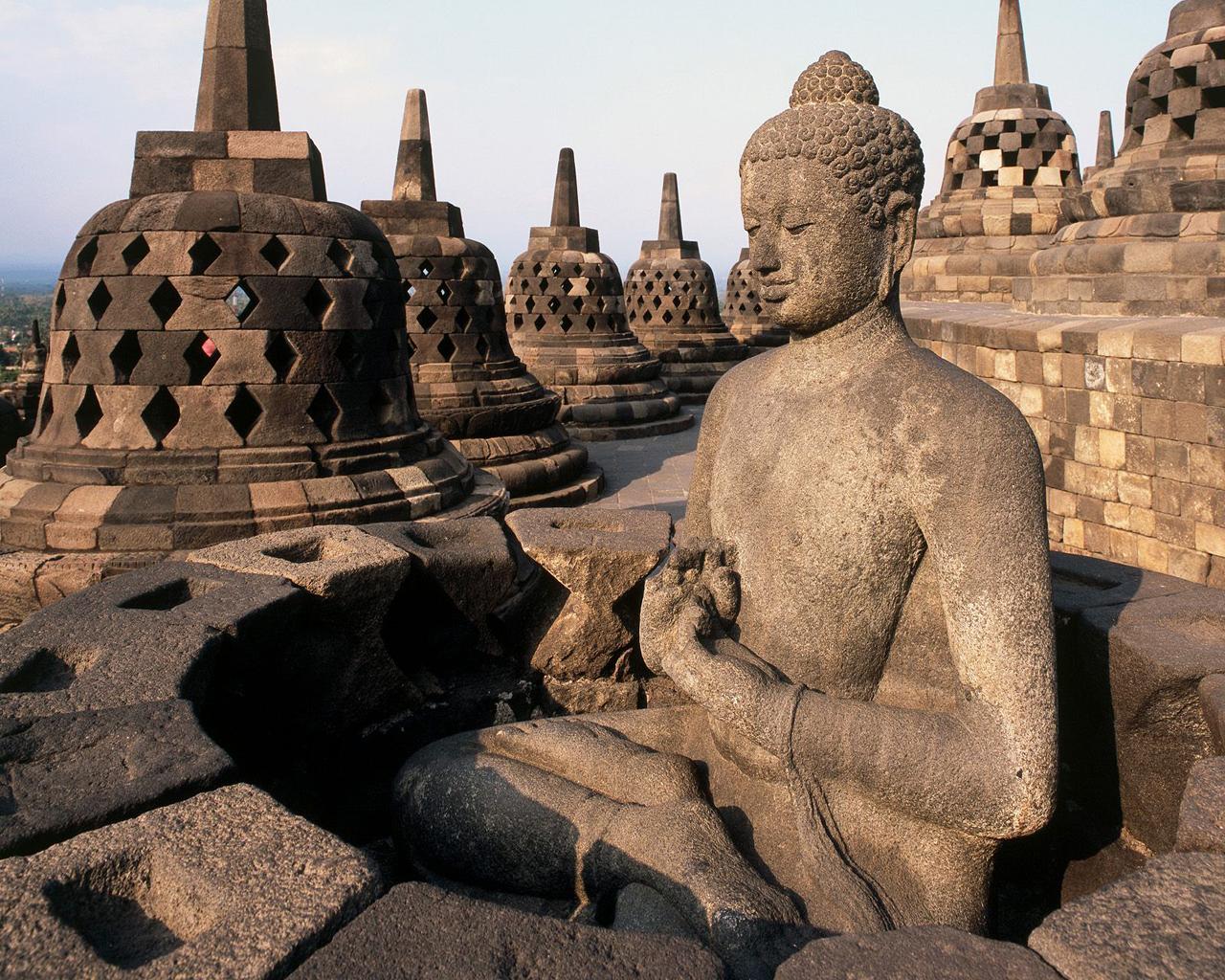 Monumente ale spiritualitatii in Indonezia