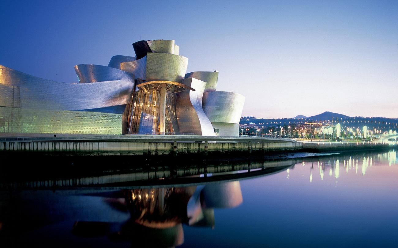 Muzeul Guggenheim, Bilbao, Spania