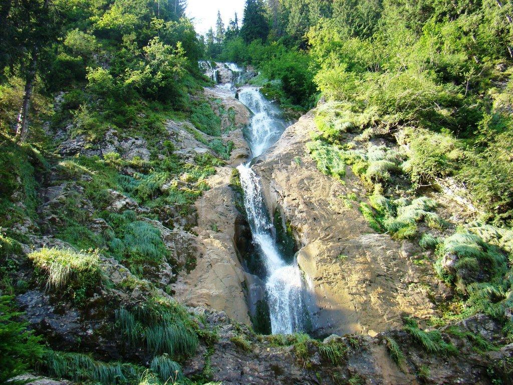 Nimic nu se compara cu frumusetea Cascadei Cailor