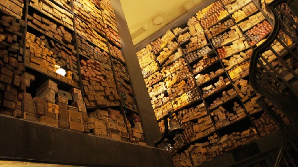 Ollivander's Wand Shop locul unde se găsesc cele mai bune baghete magice