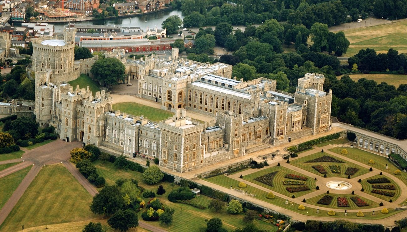 Panorama Castelului Windsor justifică suprafaţa pe care o ocupă