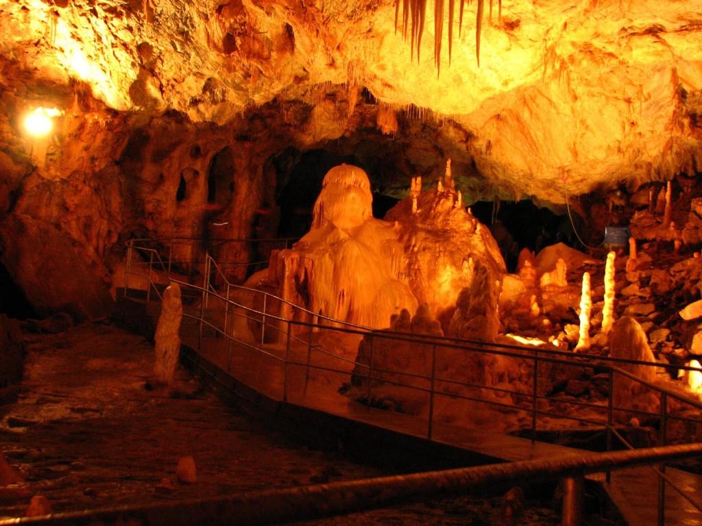 Peștera Urșilor, un loc ce se merită explorat pas cu pas
