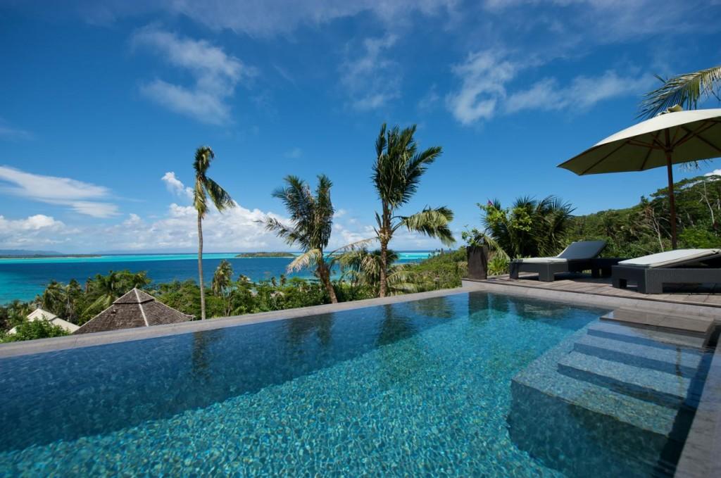 Piscină în Bora Bora, dotări pentru un hotel de lux