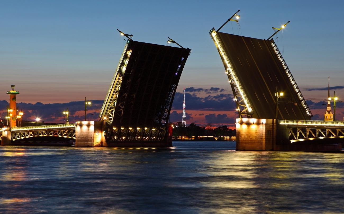 Pod de pe Râul Neva, Saint Petersburg