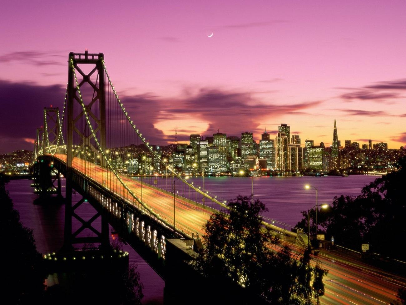Podul Bay şi imagine de ansamblu al Cartierului Financial
