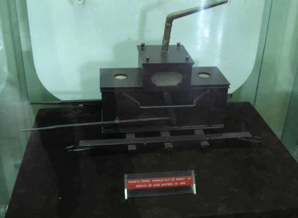 Pompa de apa manuala