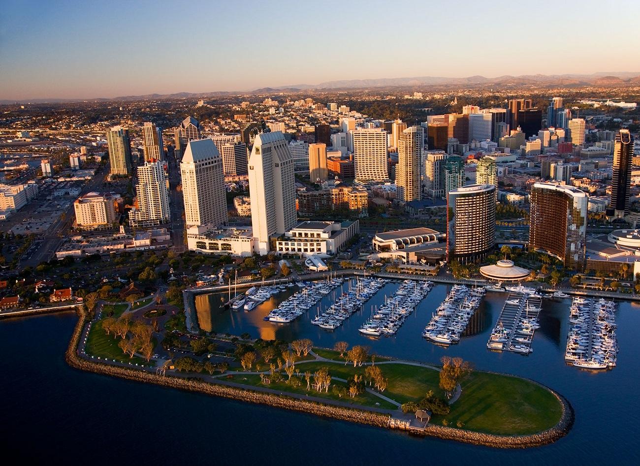 San Diego, panoramă care surprinde şi portul oraşului