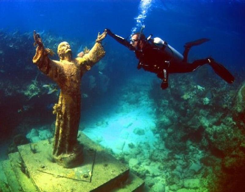 Statuia lui Hristos din Adâncuri, Italia