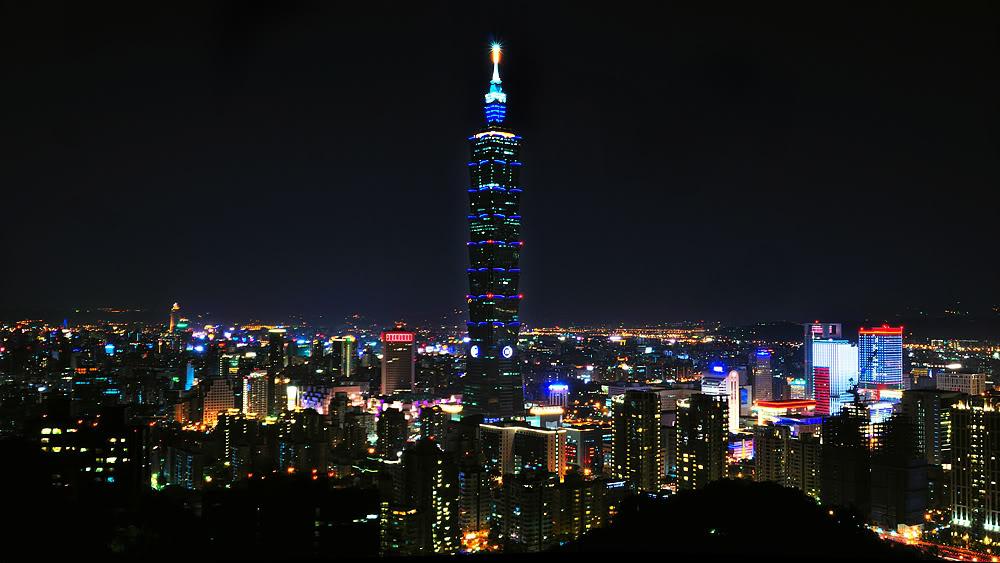 Taipei 101, noaptea