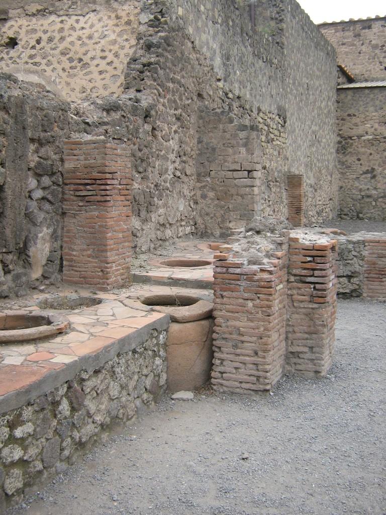 Thermopolium, locul de luat prânzul în Pompeii