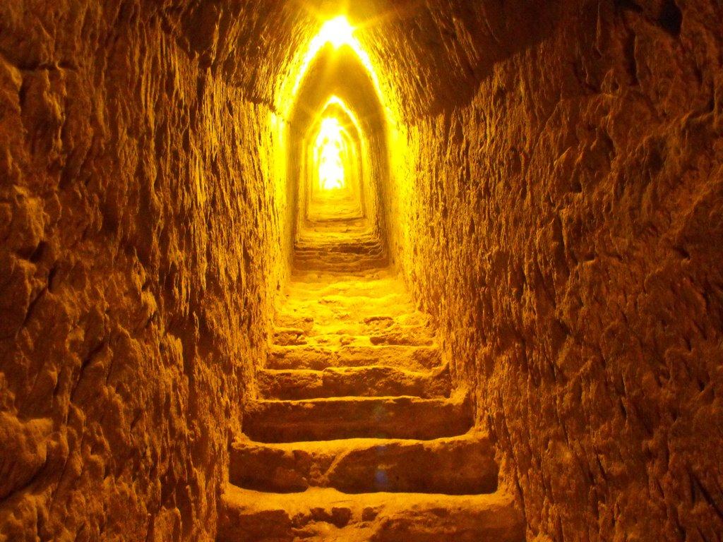 Tunel din interiorul Marii Piramide din  Cholula